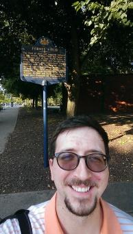history marker selfie